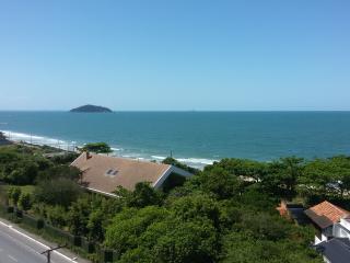 Belíssimo apartamento de frente para o mar - Penha vacation rentals