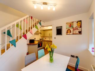 Stunning 2 Bed Garden Flat & Parking in Rye - Rye vacation rentals