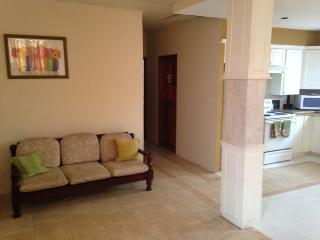 Beautiful 2 bedroom Condo in St. Ann's - St. Ann's vacation rentals