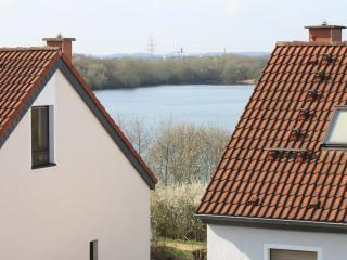 Dachstudio m. Seeblick f. 3-4 Personen - Cologne vacation rentals