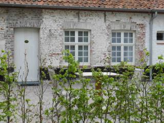 The luxury B&B room in Damme opposite the golf! - Sijsele vacation rentals