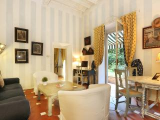 Romantic garden in Florence - Florence vacation rentals