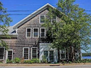 SPECTACULAR WATER VIEWS FROM EVERY SIDE - Damariscotta vacation rentals