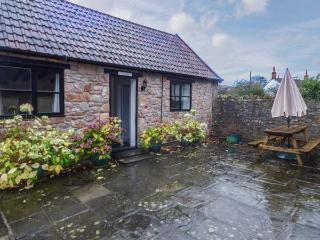 FRYS BARN one of a group, WiFi, en-suite, bemed ceiling in Winscombe Ref 927125 - Winscombe vacation rentals