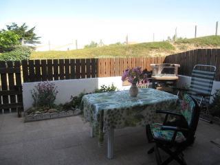 Appart rez de jardin, proximité immédiate plage - Saint-Hilaire-de-Riez vacation rentals