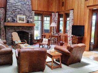 Stunning & Grand Four Bedroom, Views, Walk to Town - Point Reyes Station vacation rentals