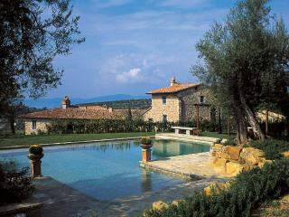 Lake Trasimeno Enchanting Farmhouse In Umbria - World vacation rentals
