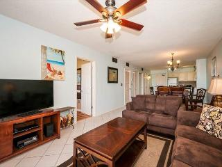 Great Condo Perfect For Families! FREE Golf & Parasailing! - Destin vacation rentals