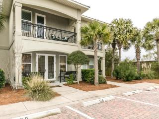 """Miramar Beach Villas Unit 119"" Surf Side Villa Spacious, Luxury Beach House, Sleeps 10! - Miramar Beach vacation rentals"