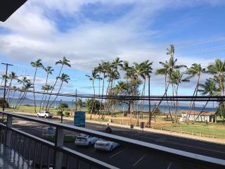 **Central AC ** 2-bed, 2-bath, 2-Balcony Oceanview - Kihei vacation rentals