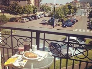 2 Bedroom apartment overlooking marina - Dives-sur-Mer vacation rentals