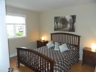 Furnished 2 bed room apart for rent minim. 30 days - Laval vacation rentals