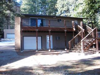 3 bedroom Cabin with Deck in Lake Almanor - Lake Almanor vacation rentals