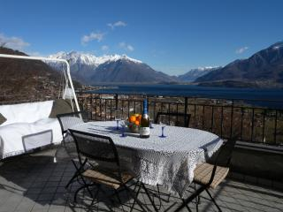 Casa Vacanze con Vista sull lago Dongo - Dongo vacation rentals