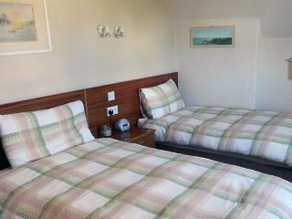Romantic 1 bedroom Guest house in Brodick with Internet Access - Brodick vacation rentals