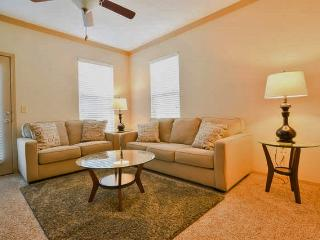 Wonderful 1BR Suite - Lenexa!! 11201 - Lenexa vacation rentals