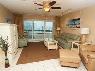 Beautifully renovated Oceanfront unit by pool - Satellite Beach vacation rentals
