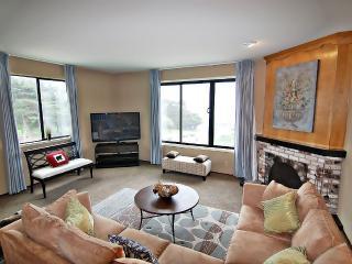 Elegant 3 Bedroom Seacliff Flat with Views - San Francisco vacation rentals