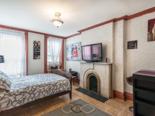 Nice and sunny studio few steps from Time Square - New York City vacation rentals