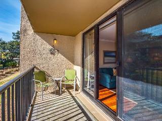 Island Club 3102, 2 Bedrooms, Large Pool, Tennis, Hot Tub, Sleeps 7 - Hilton Head vacation rentals