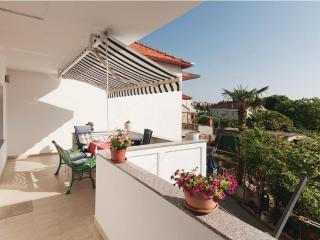 Apartment 5 Person,near the beach and town,Zadar - Zadar vacation rentals