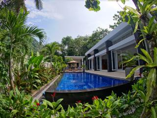 Bright Senggigi vacation Villa with A/C - Senggigi vacation rentals