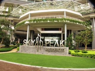 SisHome B10 Travelers' Favorite - Johor Bahru vacation rentals