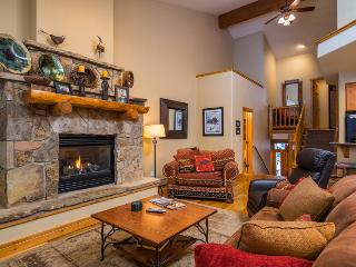 Pool, Hot Tub, Private Shuttle, Discount Lift Tix* - Steamboat Springs vacation rentals