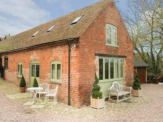 HAM'S HOUSE barn conversion, romantic, woodburning stove, views, WiFi in Cleobury Mortimer Ref 932412 - Cleobury Mortimer vacation rentals