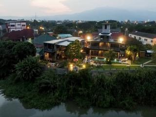 6 bedroom Villa with Internet Access in Chiang Mai - Chiang Mai vacation rentals