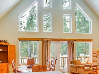 Light-filled escape w/ close beach access - 2 dogs okay! - Leavenworth vacation rentals