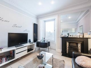 Edinburgh Central Luxury apartment - Edinburgh vacation rentals