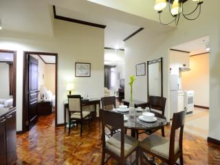 Parque Espana - 2 Bedroom Premiere - Manila vacation rentals