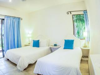 Playa del Carmen Hotel Room at the BRIC Hotel - 1 Double & 1 Individual - Riviera Maya vacation rentals