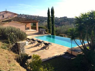 Stunning, modern provençale villa w/ private pool - Grasse vacation rentals