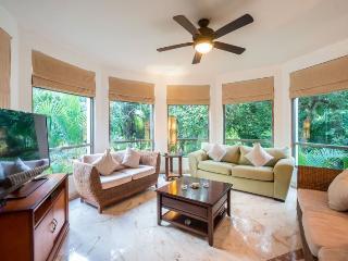 Beautiful 2 or 3 bedroom Private Condo with Garden Views - Playa del Carmen vacation rentals