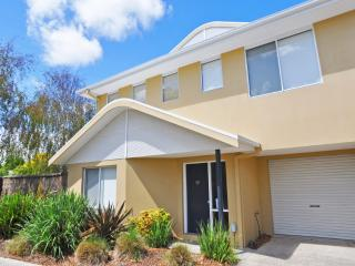 Perfect 3 bedroom House in Inverloch with A/C - Inverloch vacation rentals