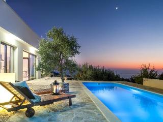 Extraordinary Modern Villa for 8, great view !! - Makarska vacation rentals
