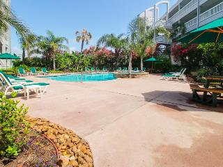Fantastic condo on the Gulf w/shared pools & beach access! - Galveston Island vacation rentals