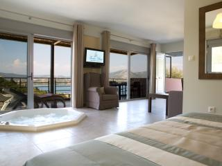 Pasithea Suite - Luxury suite with Jacuzzi - Lygia vacation rentals