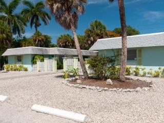 Palm Court Villas- 210 A Magnolia Ave, Anna Maria - Anna Maria vacation rentals