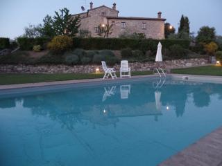 Nice Condo with Satellite Or Cable TV and Outdoor Dining Area - Castellina In Chianti vacation rentals