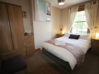 Bright 2 bedroom Cottage in Keswick with Internet Access - Keswick vacation rentals