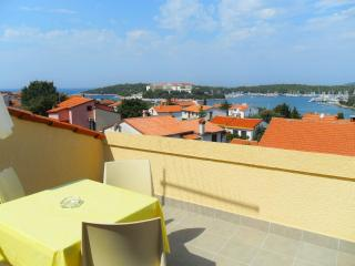 Sea view apartment, 350m from the beach - Pjescana Uvala vacation rentals