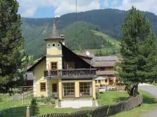 Geschmackvolle Ferienwohnung(en) am Gurkhof - Gnesau vacation rentals
