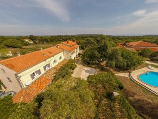 Nice 2 bedroom Villa in Valtura - Valtura vacation rentals
