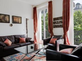 MONTORGUEIL PRESTIGE XI - Paris vacation rentals