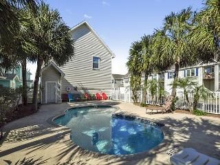 Parrot's Perch – 3BR Condo, Walk to the Beach! - Port Aransas vacation rentals