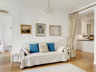 MARAIS PRESTIGE II - Paris vacation rentals