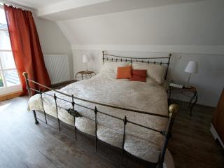 Komfortables 2,5-Zimmer Apartment (57 qm) - Moetzingen vacation rentals